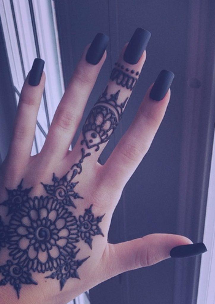 henna-mujer-mano