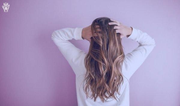 mujer-tinte-henna-pelo